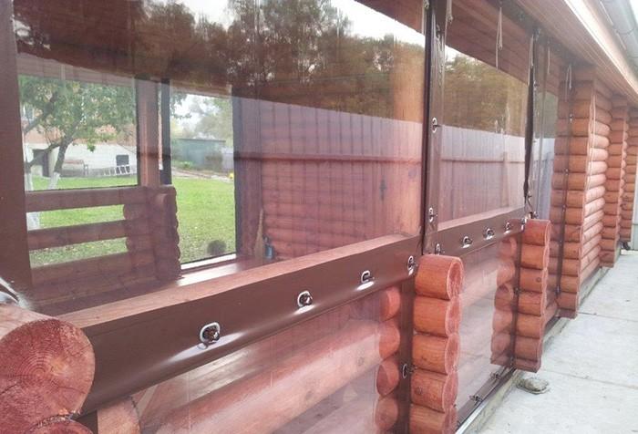 Крепят шторы из ПВХ для беседки с помощью различных деталей крепежа