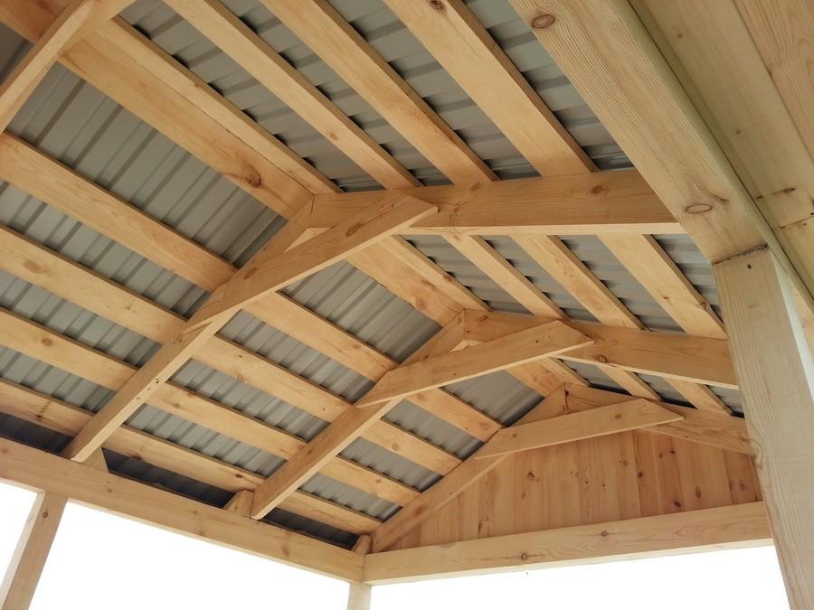 Каркас беседки из бруса с двускатной крышей