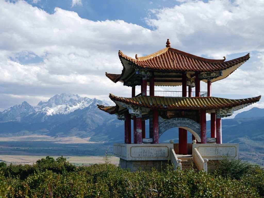 В Китае беседки изначально использовались в качестве дозорной вышки