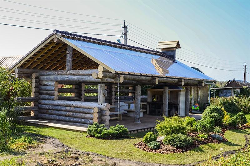 Беседка с двускатной крышей