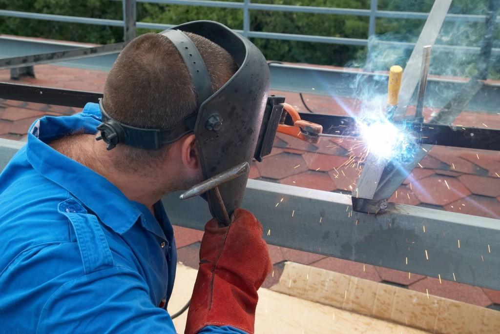 Сварные беседки своими руками: приваривание металлических конструкций