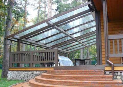 Устройство прозрачной крыши на веранде