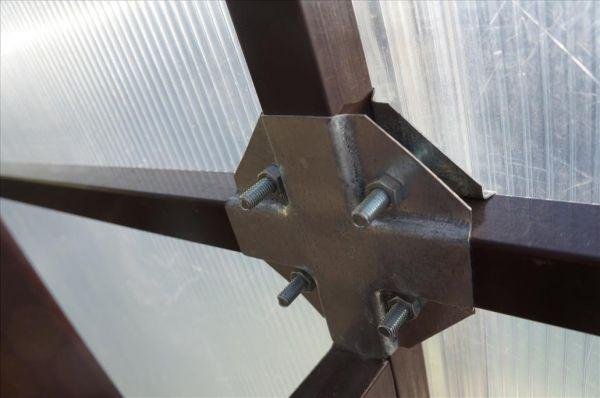Крепление поликарбоната к металлу