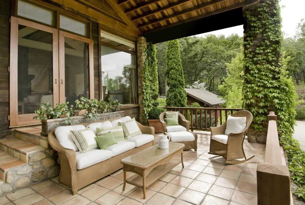 Деревянные ограждения террас и балконов
