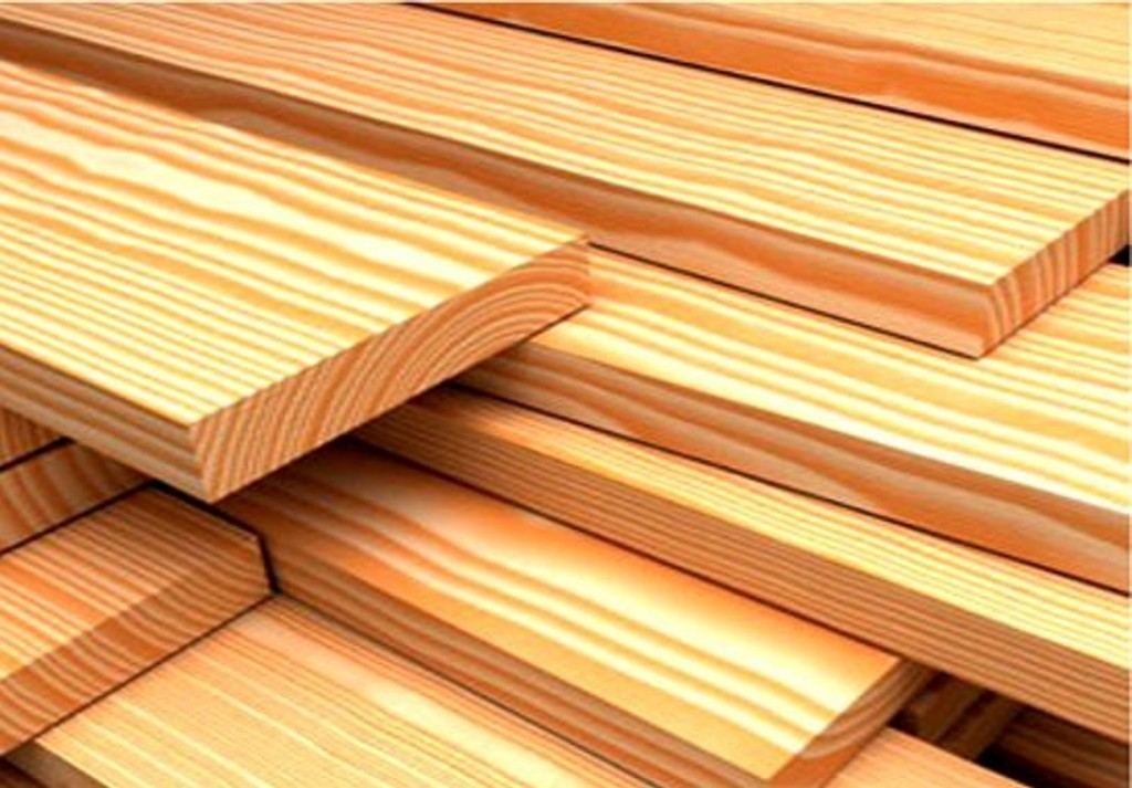 Без защиты древесина меняет цвет на блекло-серый, тщательный уход продлевает срок эксплуатации строения до 10 лет.