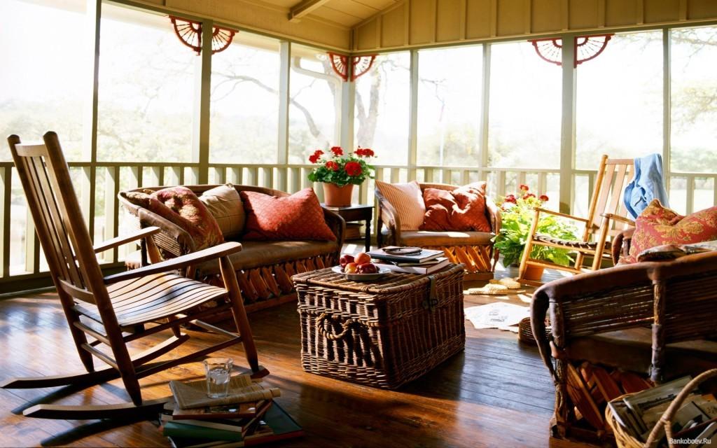 Мебель на веранде из натурального материала