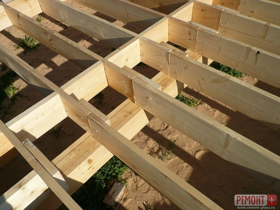 Сборка каркаса деревянной террасы