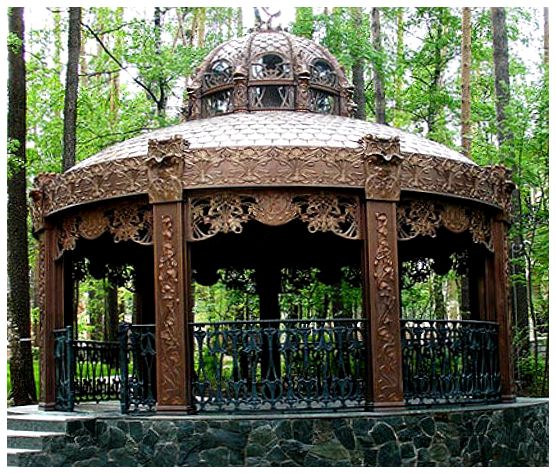 Садовая беседка – это не только возможность комфортного отдыха на природе, но и главное украшение участка.
