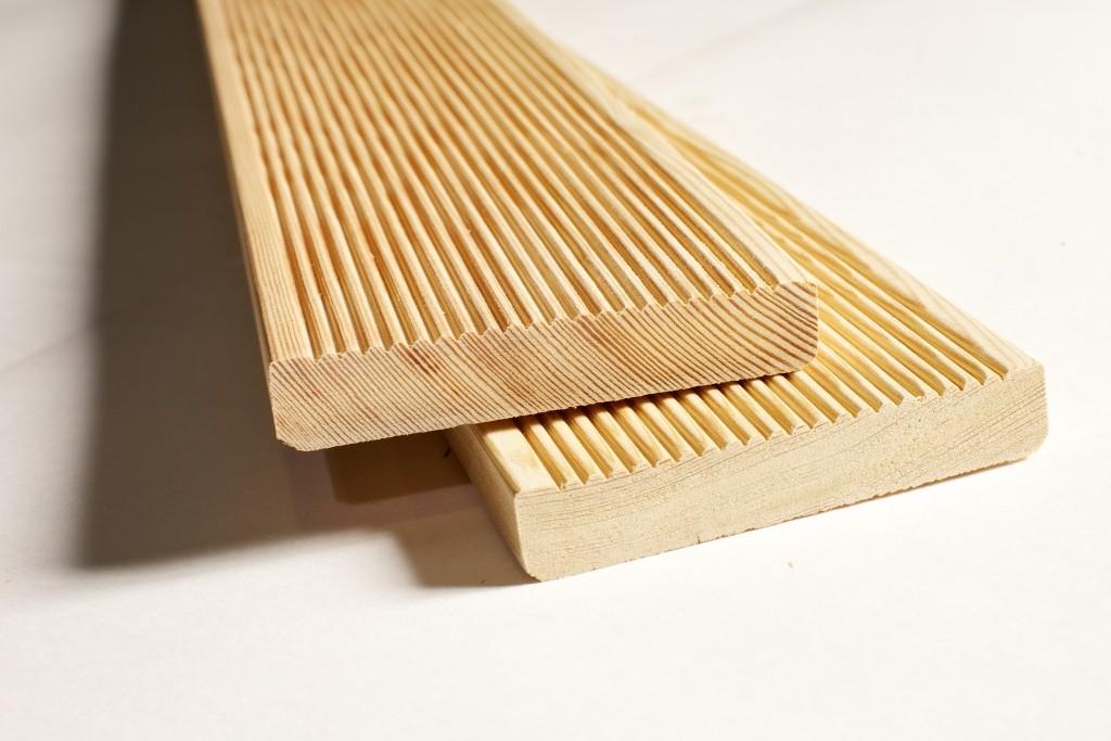 Доска для террас с декоративным ребристым рельефом