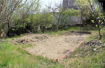 Перед тем, как построить в саду беседку, необходимо тщательно продумать место ее расположения.