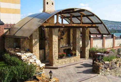 Применяется этот строительный материал для создания статусных архитектурных строений.