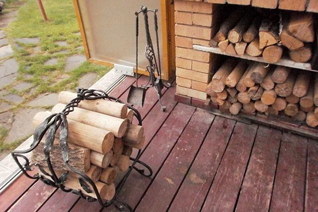 Самый лучший шашлык получается на дровах.