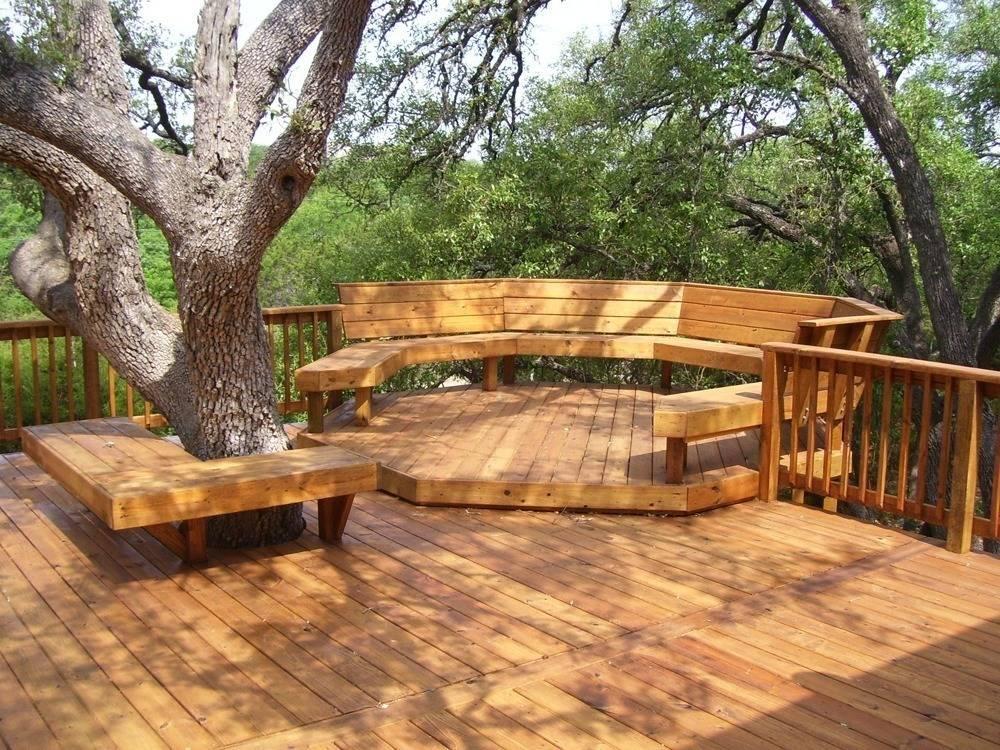 Деревянный пол на террасе.
