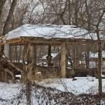 Беседка из стволов деревьев: строим сами