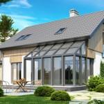 Дом с террасой и крыльцом