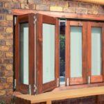 Деревянное окно-гармошка