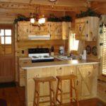 Интерьер закрытой летней кухни
