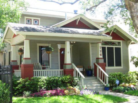 Дом с террасой с мансардой