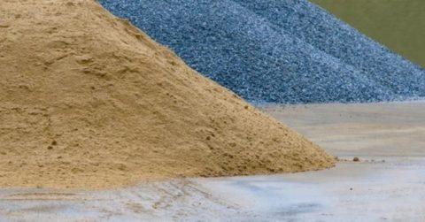 Гравий и песок понадобятся не только для заливки фундамента