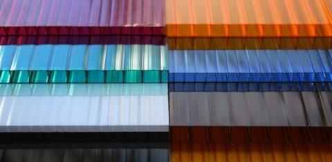 Поликарбонат может быть разных цветов