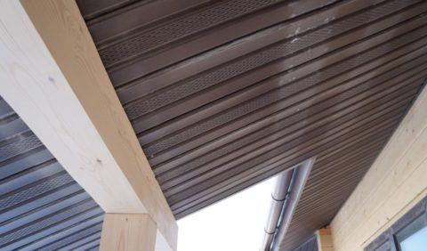 Потолок из софита