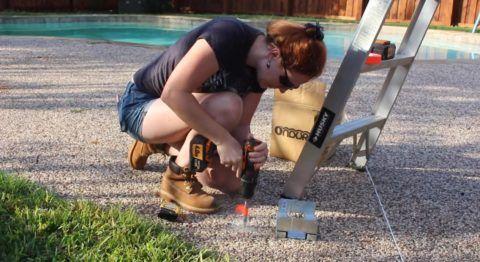 С чего начать строительство веранды: монтаж анкеров для скоб, которые будут держать опоры