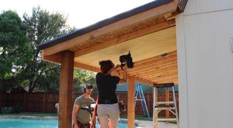 Варианты построек веранд: подшивка потолка фанерой
