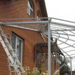 Проект полукруглой веранды должен включать в себя расчет конструкции навеса