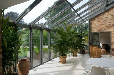 Зимний сад на террасе с потолочным освещением