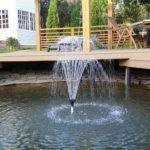 Композиция с фонтаном оживит атмосферу на участке