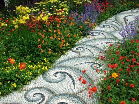 Мелкий камень в роли мозаики