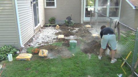 Наполнение лунок цементом