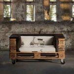 Для удобства перемещения мебель можно поставить на колеса