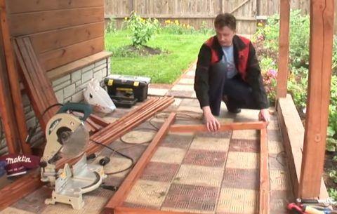 Шаг 2 - нарезка брусков по размеру рамки