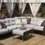 Шторы и обивка садовой мягкой мебели в одной гамме